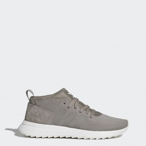 Femmes Adidas Originals Flashback Des chaussures d'hiver Trace Cargo / Running Blanc BY9638
