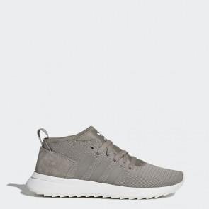 Femmes Adidas Originals Flashback Des chaussures d'hiver Trace Cargo / Running Blanc BY9638
