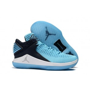 "Université Bleu / Blanc Air Jordan 32 Low ""Win Like 82"" Hommes Chaussures AA1256-401"